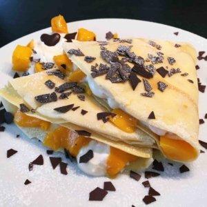 Crepes mit Quark und Mango